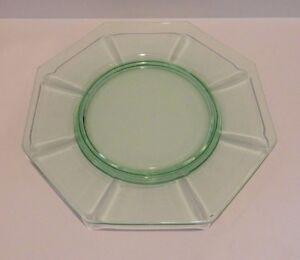 Vintage-Green-Depression-Glass-Octagonal-Plate-8-034-Diameter-Luncheon-Dessert