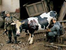 "Verlinden 1/35 ""Fresh Milk"" German Soldiers Milking Cow WWII (3 Figures) 1415"