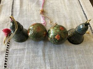 Lot-Of-4-Vintage-Christmas-tree-Paper-Mache-ornaments-Hand-Made-In-Kashmir