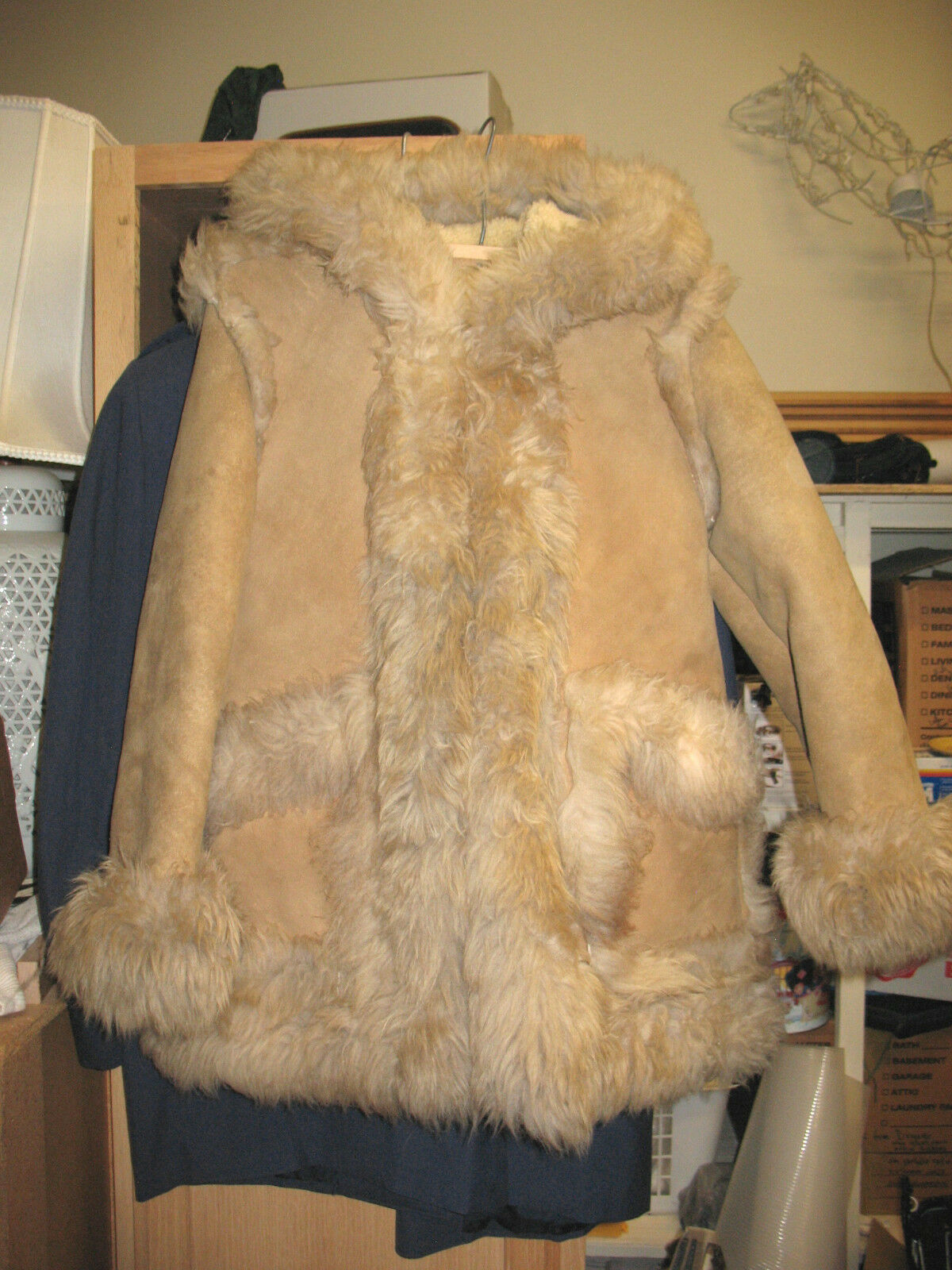 L@@K  Unmarked Woman's Shearling Sheepskin Coat G+