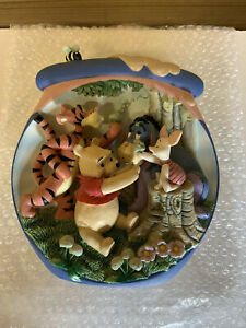The-Bradford-Excange-Winnie-The-Pooh-s-Hunnypot-Adventures-12-Plate-Collection