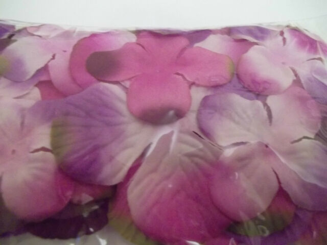 FINISHING ACCENTS  MIXED FLOWER PETALS LEAVES 18 - 50 PIECES APROX. PACK  FLOWER