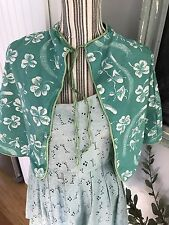 VINTAGE HAIR SALON CAPE COVER STYLIST FABRIC PROTECTOR FAIRIES CLOVERS TEAL !!