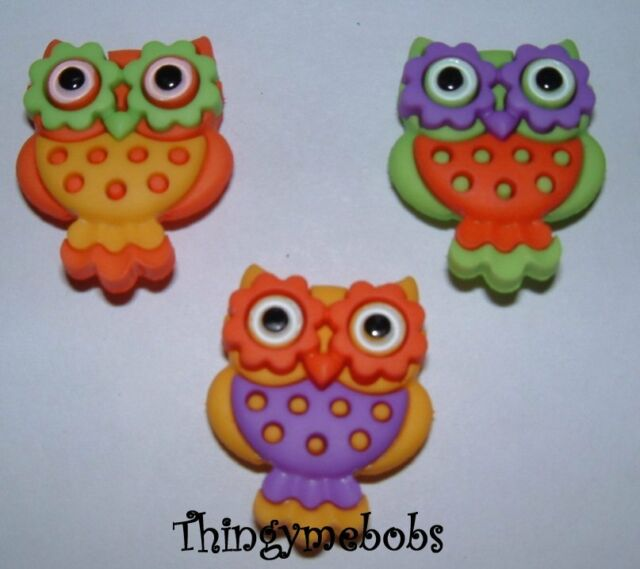 Whooo Loves You Owl ~ Flowers ~ Birds Jesse James Shank Buttons