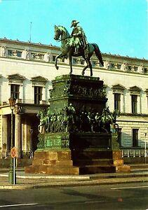 Berlin-Reuterstandbild-Friedrich-II-DDR-Ansichtskarte-ungelaufen