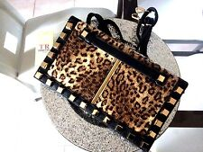 SAC A MAIN SACOCHE TRES RIGIDE  BANDOULIERE  COULEUR LEOPARD CLOUTER OR