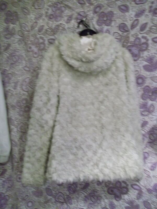 Ribbon  fluffy winter coat size 14.unusual 14.unusual 14.unusual fastening. sumptuously fluffy & warm 7520da