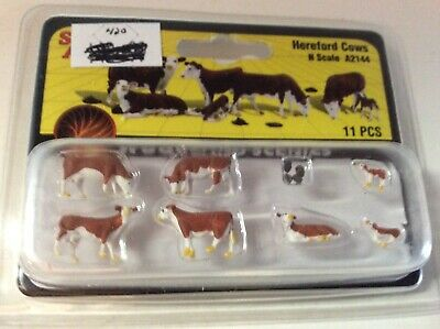 New Woodland N Scale Hereford Cows Train Figures A2144