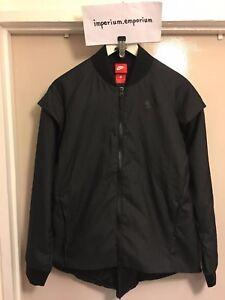 b707b139158e Nike Women s Tech Woven 2-in-1 Removable Sleeves Jacket Black Size ...