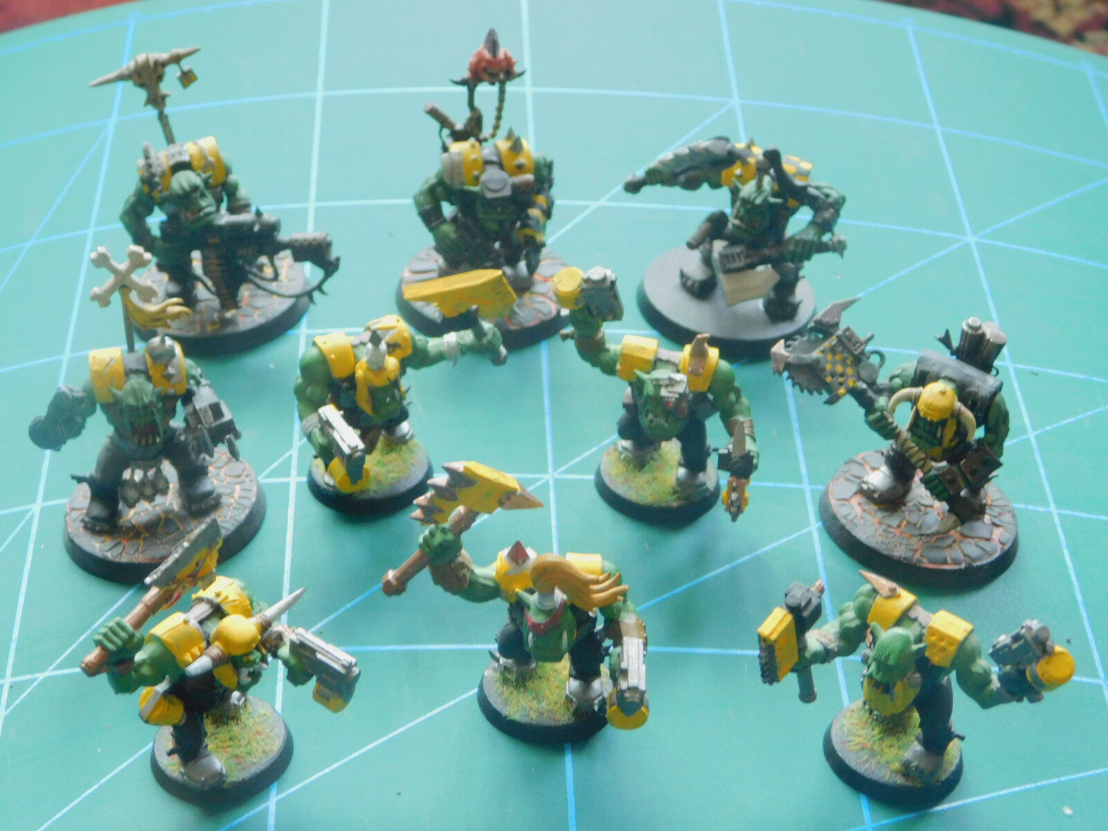 10 warhammer 40k dungeon dragons space orc hobgoblin plastic figures