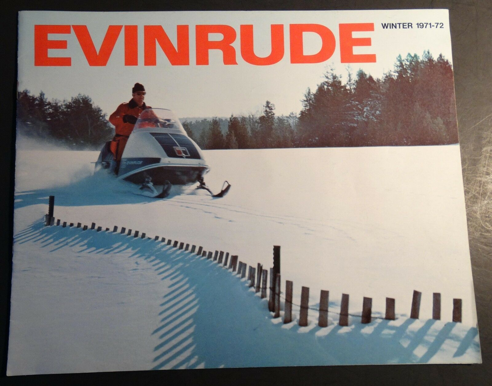 1972 EVINRUDE FULL LINE SNOWMOBILE SALES BROCHURE 12 PAGES  (439)