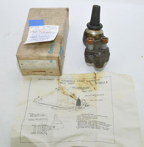 NOS-1960-OLDSMOBILE-LH-LOWER-BALL-JOINT-UNIT-578125