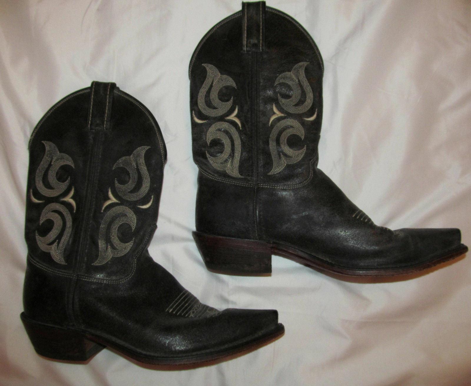 JUSTIN charcoal black crackle emroidered cowboy boots pointy toe 9.5  D ***