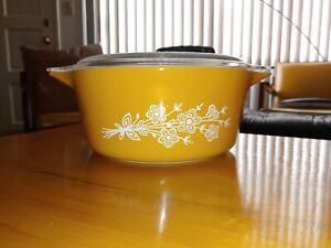 Vintage Pyrex 2.5L Casserole&Lid Butterfly Flower Yellow Orange 475-B