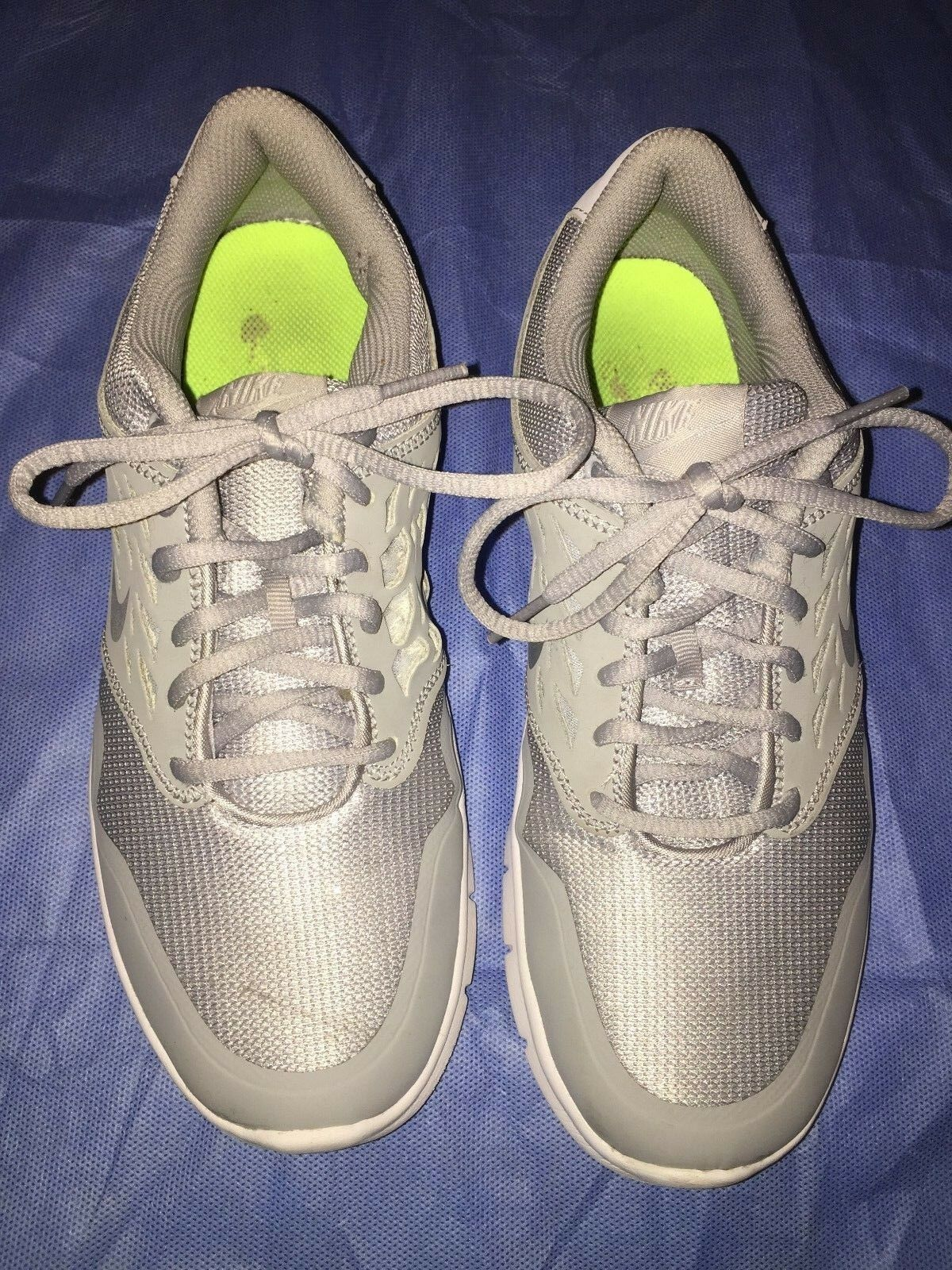 NIKE - Women's Gray US 8 Athletic Shoes