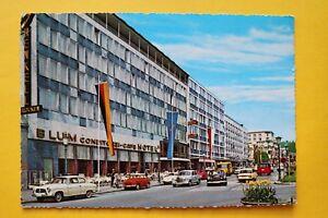 Hessen-AK-Wiesbaden-1960-Wilhelmstrasse-Raster-Architektur-Moderne-Oldtimer-10