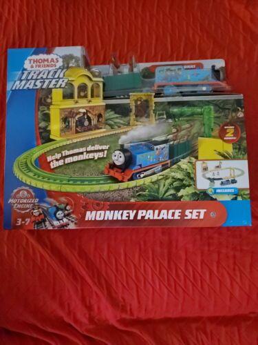 3+ Fisher-Price Thomas /& Friends TrackMaster Monkey Palace Set  Age New