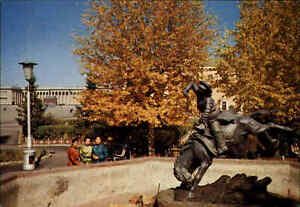 ULAN-BATOR-Mongolia-Postcard-Mongolei-Postkarte-Denkmal-Sculpture-Monument-Asien