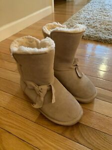 Neverwet Suede Knit Boots SZ 7