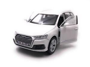 Audi-Q7-Tous-Terrains-Modele-Avec-Wunschkennzeichen-Blanc-Masstab-1-3-4