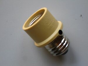 Dusk To Dawn Lamp Sensor Light Bulb Socket Sensor Out