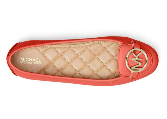 NIB Size 9 Michael Kors Lillie Leather Moccasin Flat Sea Coral