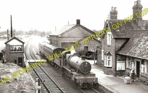 Llanymynech Arddleen 1 Four Crosses Railway Station Photo Welshpool Line.