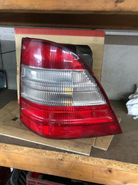 1998 Mercedes Ml320 Passenger Tail Light
