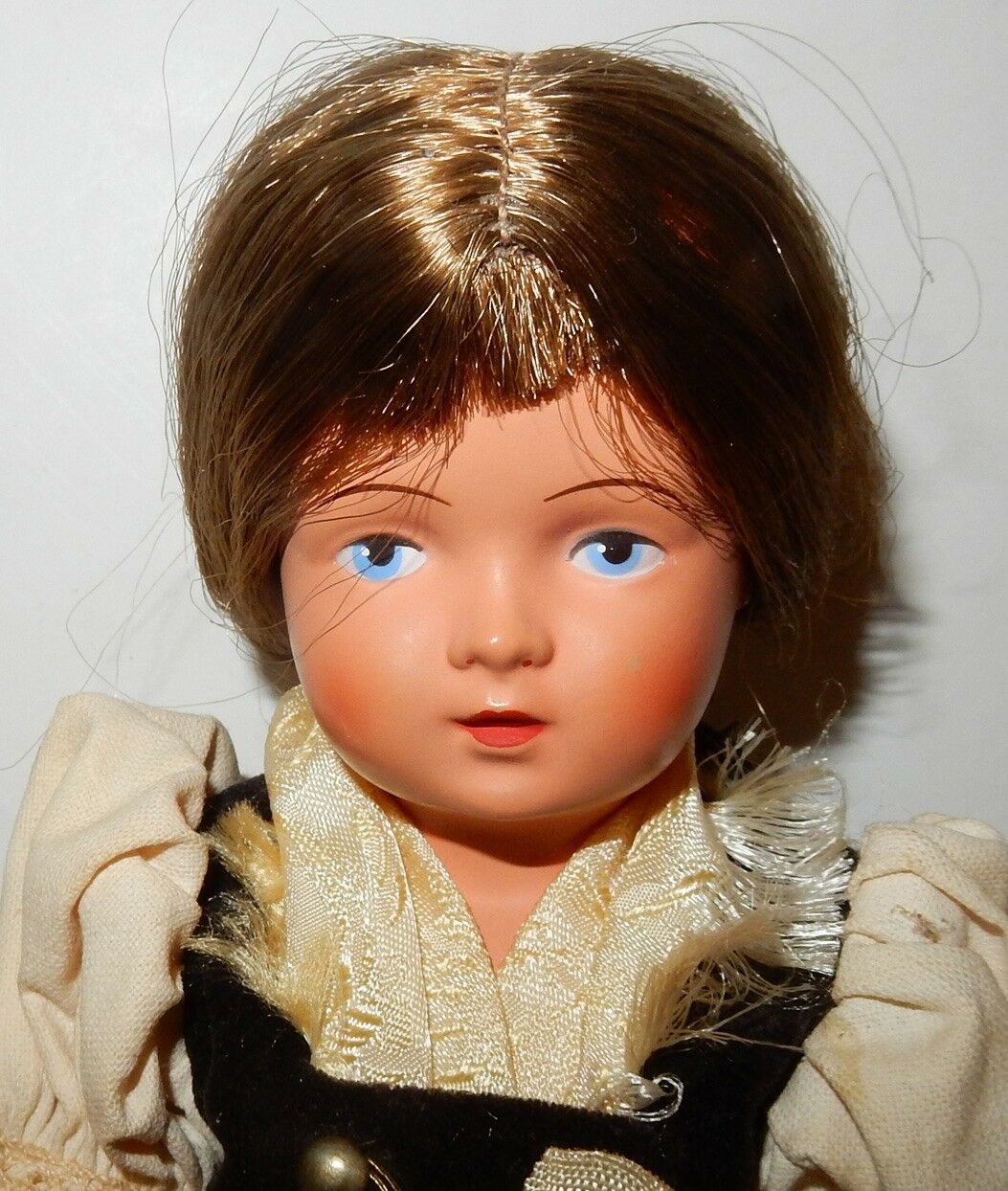 Vintage 10  Ethnic Averill Doll with with with Traditional Attire Reinische Gummi 224535