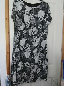 Enthusiastic Black Grey And White Flower Pattern Dress Size 24 David Emanuel At Any Cost
