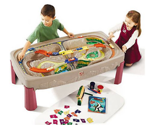 Step2 Deluxe Canyon Road Train and Track Table, Includes 6-Piece Train Set