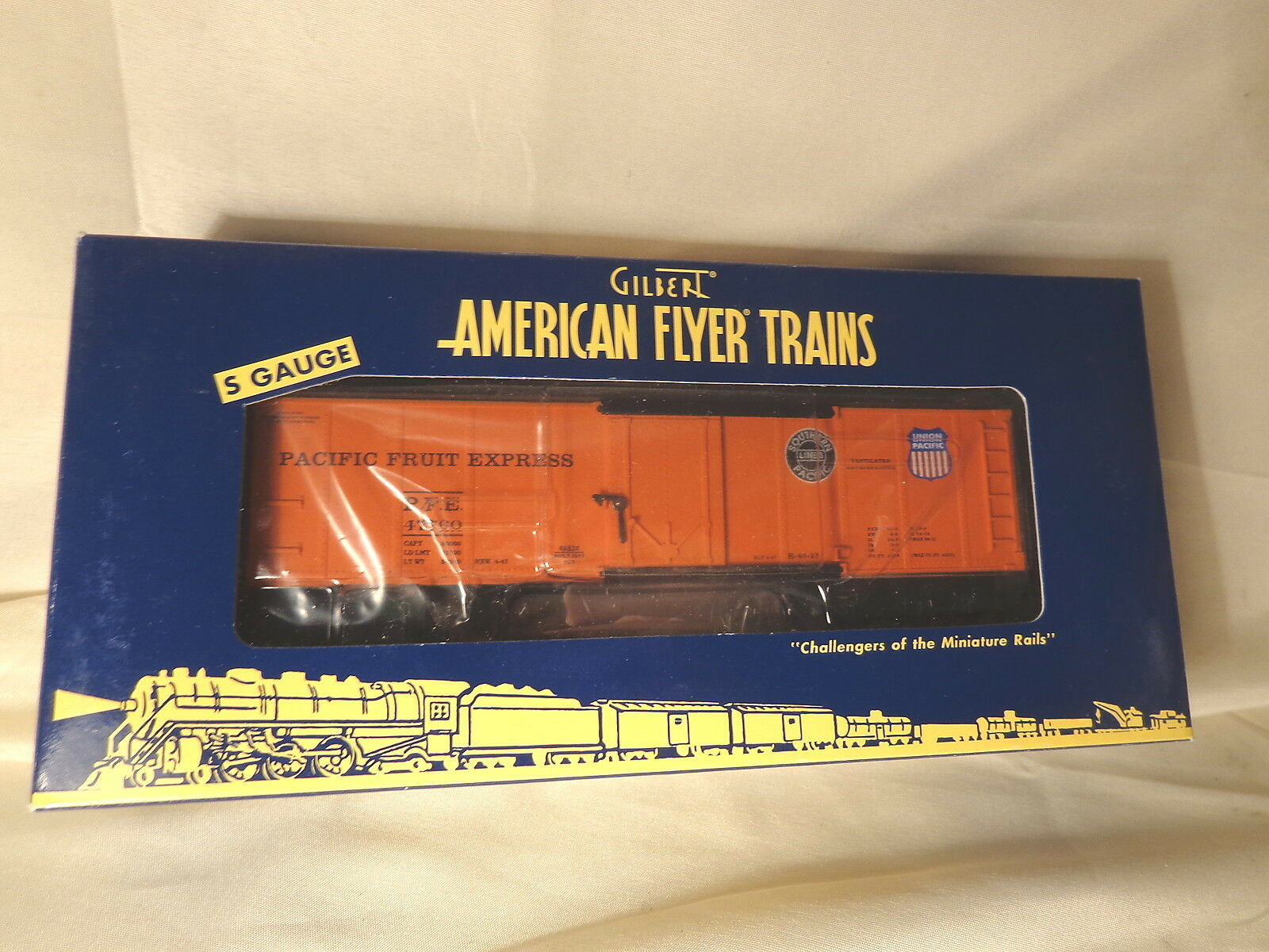 American Flyer 6-48824 Pacific Fruit Express Reefer    S Gauge   Bx   MIB
