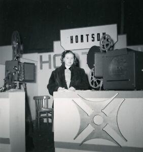 France-Paris-Photo-Cine-Sound-Fair-Booth-of-Hortson-Old-Amateur-Snapshot-1951