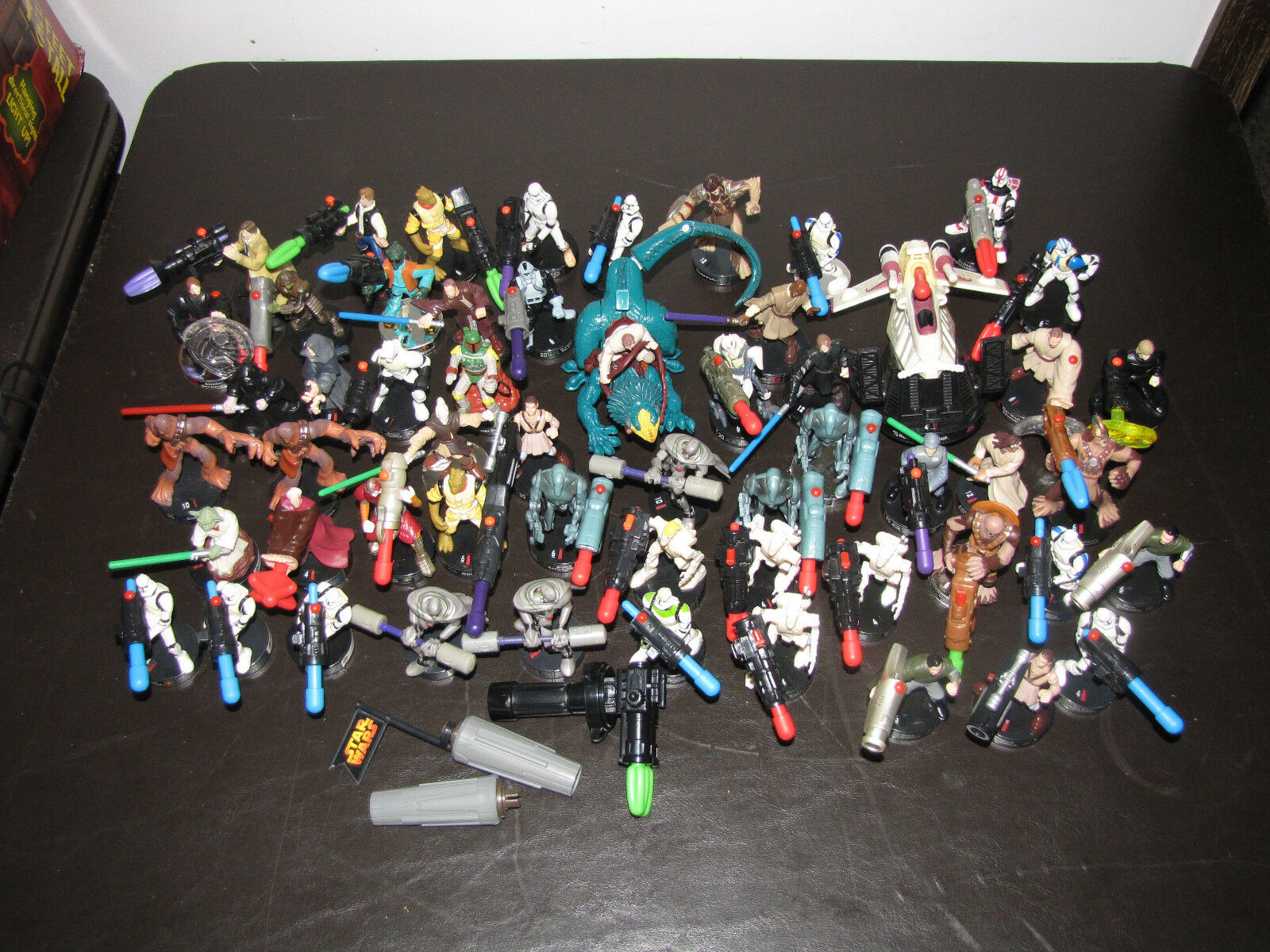 Lot of 56 Star Wars Heroclix