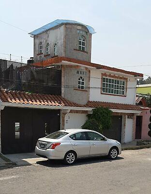 TRES CASAS independientes UN LOCAL COMERCIAL 3 estacionamientos