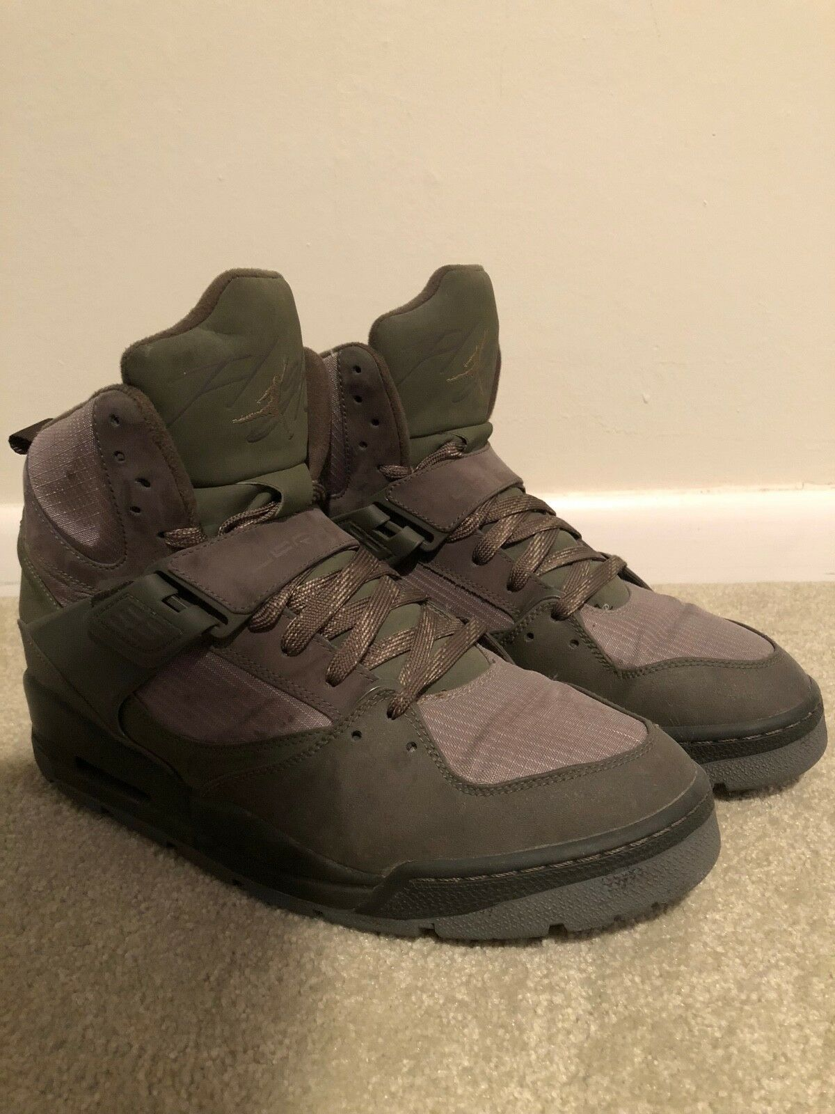 RARE Jordan Flight Military Suede vert Hightop chaussures Taille 13