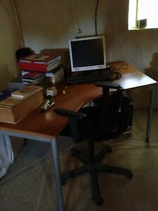 bureau ensemble complet:1bureau,2tables,2classeurs 2 blocs rangements,1etagère