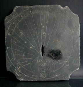 Cadran-solaire-ardoise-1823-Fecite-anno-timus-35cm-Fugit-Old-slate-sundial-XIX
