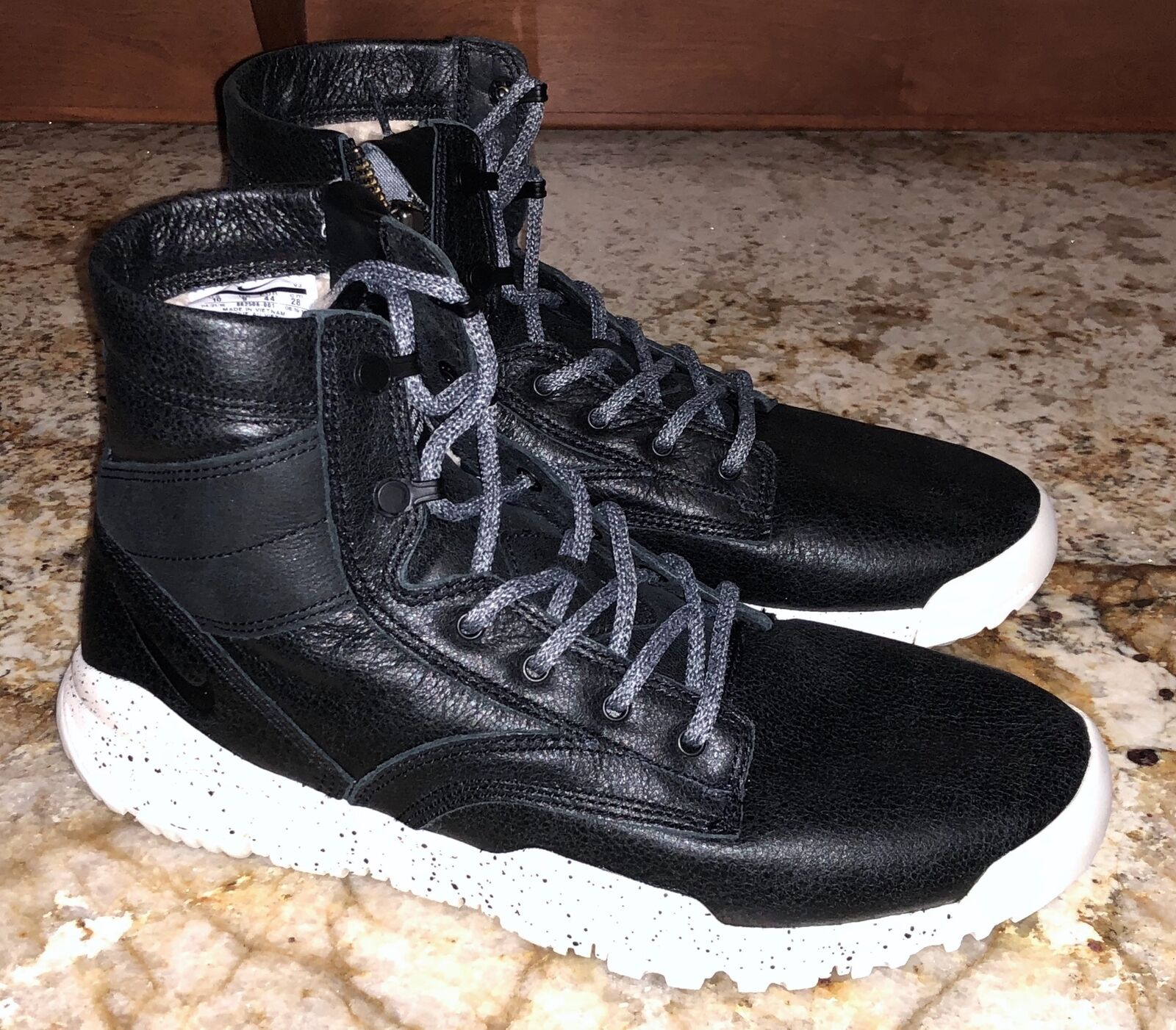 Nike SFB 6  NSW Bomber Fur Lined Black Sneakerboots shoes NEW Mens Sz 10
