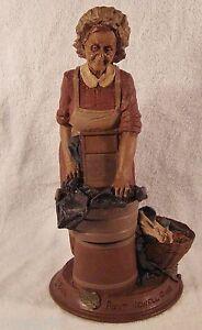AUNT-JEWEL-1988-Tom-Clark-Gnome-Figurine-Cairn-Studio-5040-Retired-Ed-78-Story