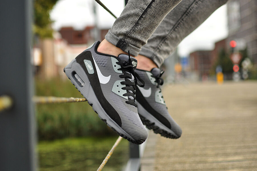 Authentic Nike Air Max 90 Ultra Essential Dark Gris  Noir 819474 011 Hommes Taille