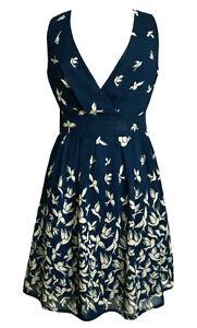 Kleid blau vogel