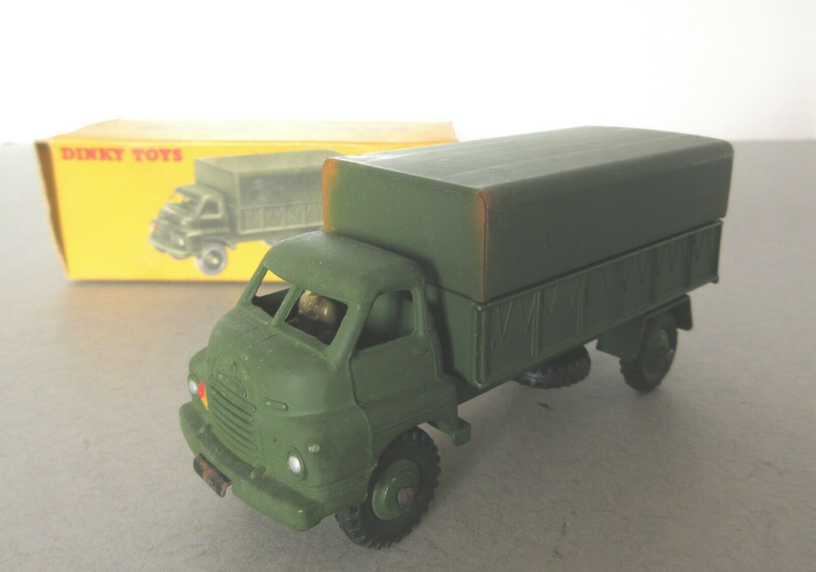 DINKY TOYS ARMY BEDFORD RL trois ton army wagon-années 1950 POST WAR DINKY TOY