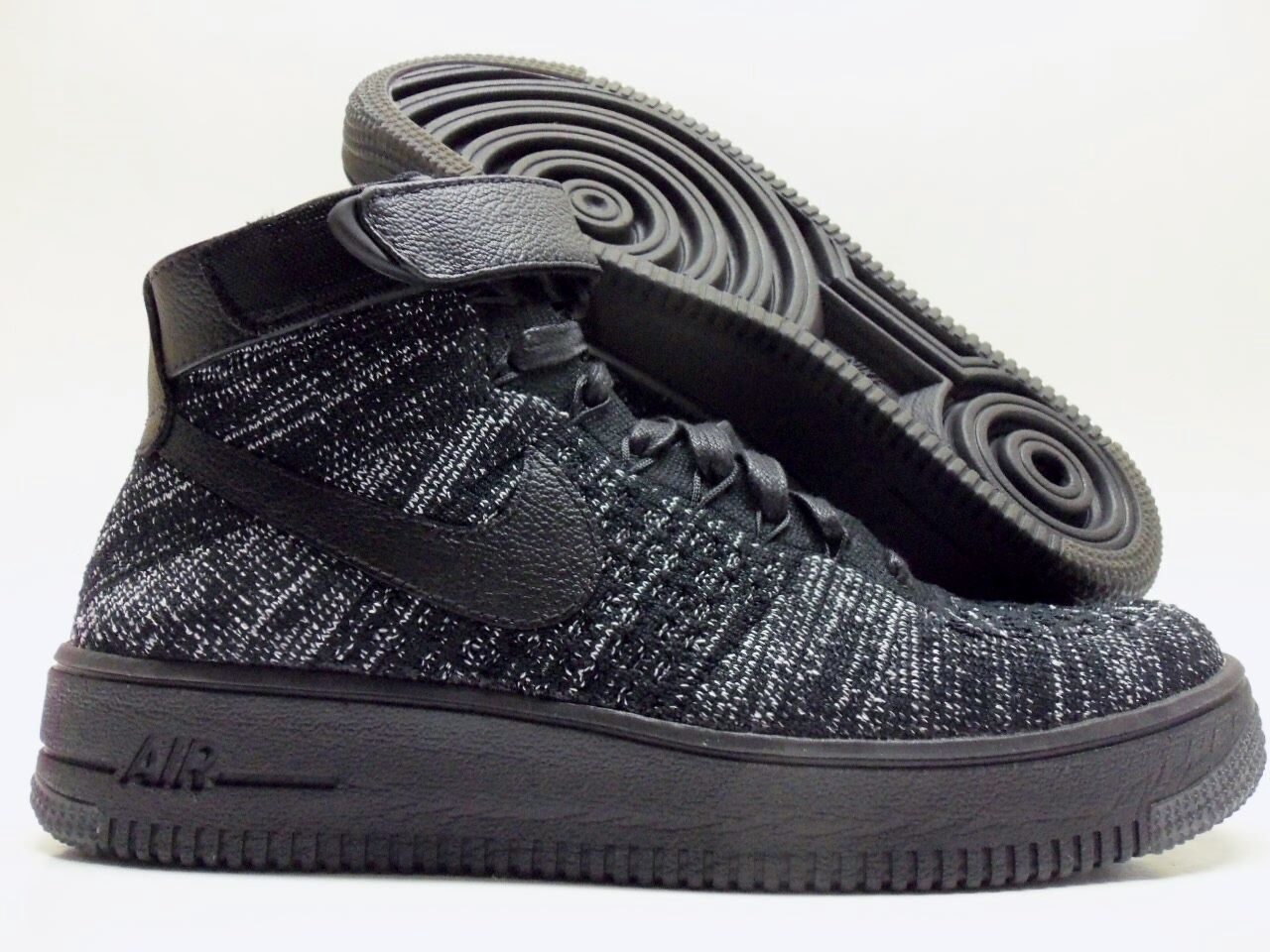 NIKE AF1 FLYKNIT AIR FORCE 1 BLACK/BLACK-WHITE SIZE WOMEN'S 7 Price reduction Wild casual shoes