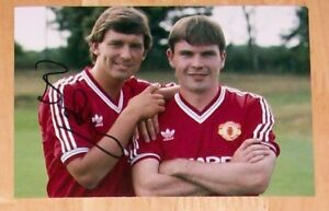 BRYAN-ROBSON-MANCHESTER-UNITED-PERSONALLY-HAND-SIGNED-AUTOGRAPH-PHOTO