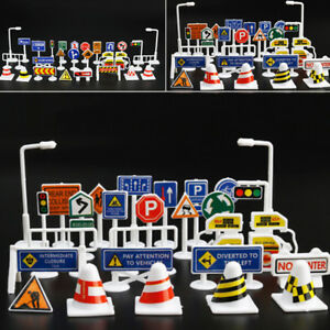 28pcs Fun Plastic TOY TRAFFIC ROAD SIGNS PLAY SETS MODEL CAR TOWN Toys For Kids