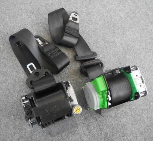 Audi A4 8K 8K0 B8 FRONT seat belts with pre-tensioners seatbelts belts