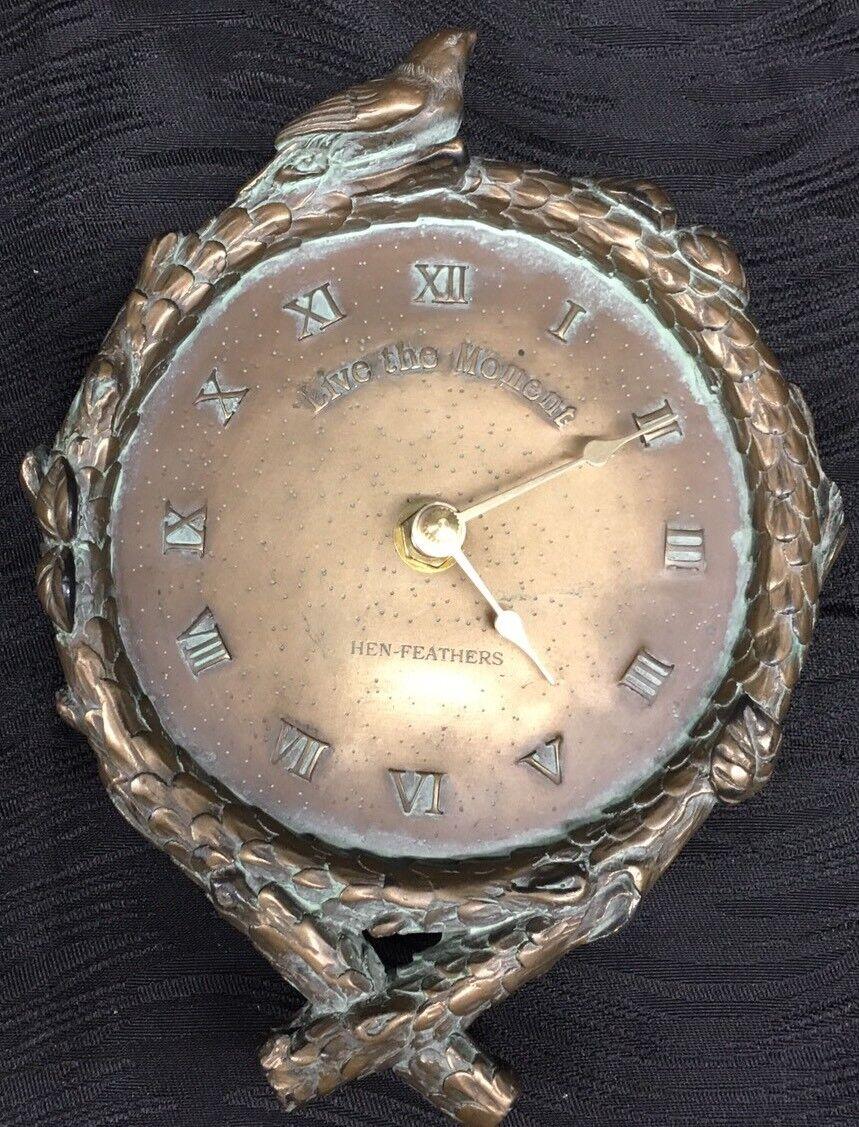 Reloj De Parojo Hen-Feathers Bronce Resina  vivir el momento  Ramas Pájaros