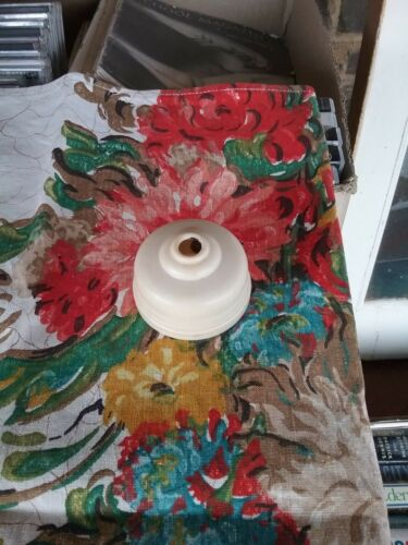 Ring Grip White Bakelite Ceiling Rose #15572