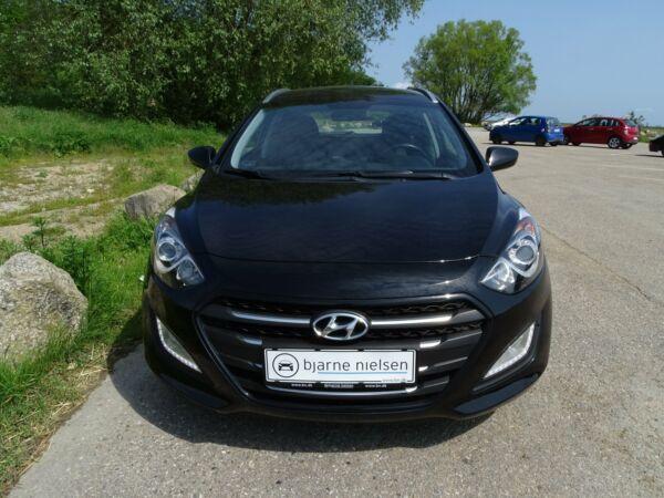 Hyundai i30 1,6 CRDi 110 Trend CW - billede 2